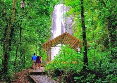 Path to Tunan Waterfall