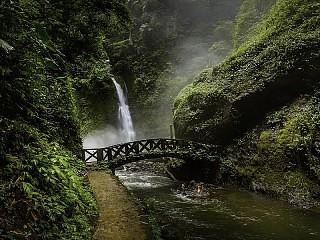 Kali Waterfall Tour