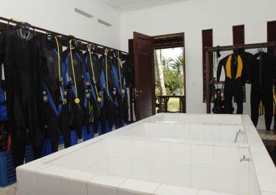 Gangga Divers wash tanks
