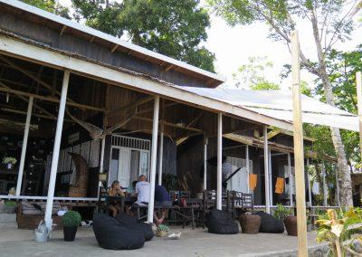 Sanctum Una-Una Dive Resort