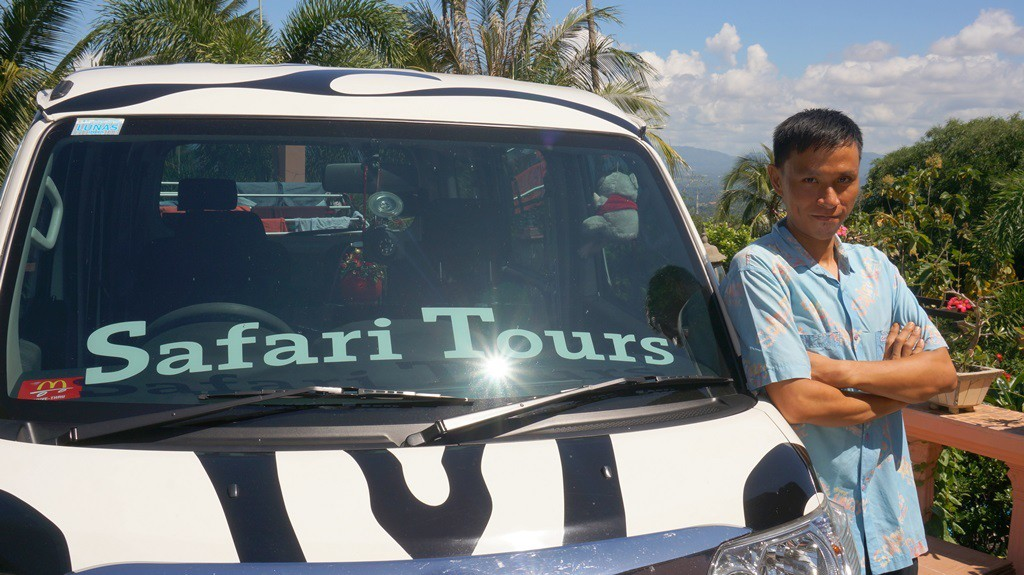 Safari Tours car & driver