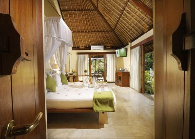 Grand Courtyard Villa Bedroom