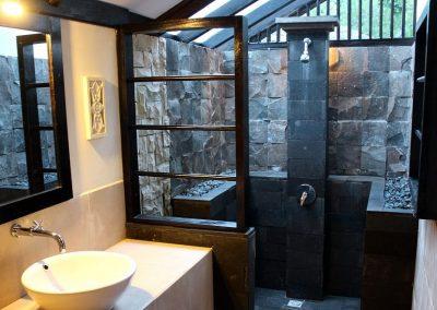 Gardenview bathroom