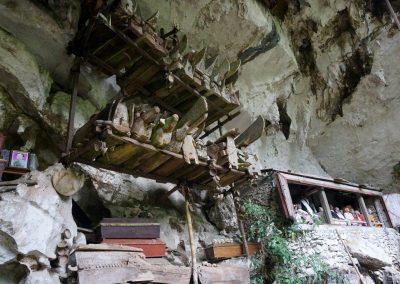Hanging Graves and Tau Tau (1)