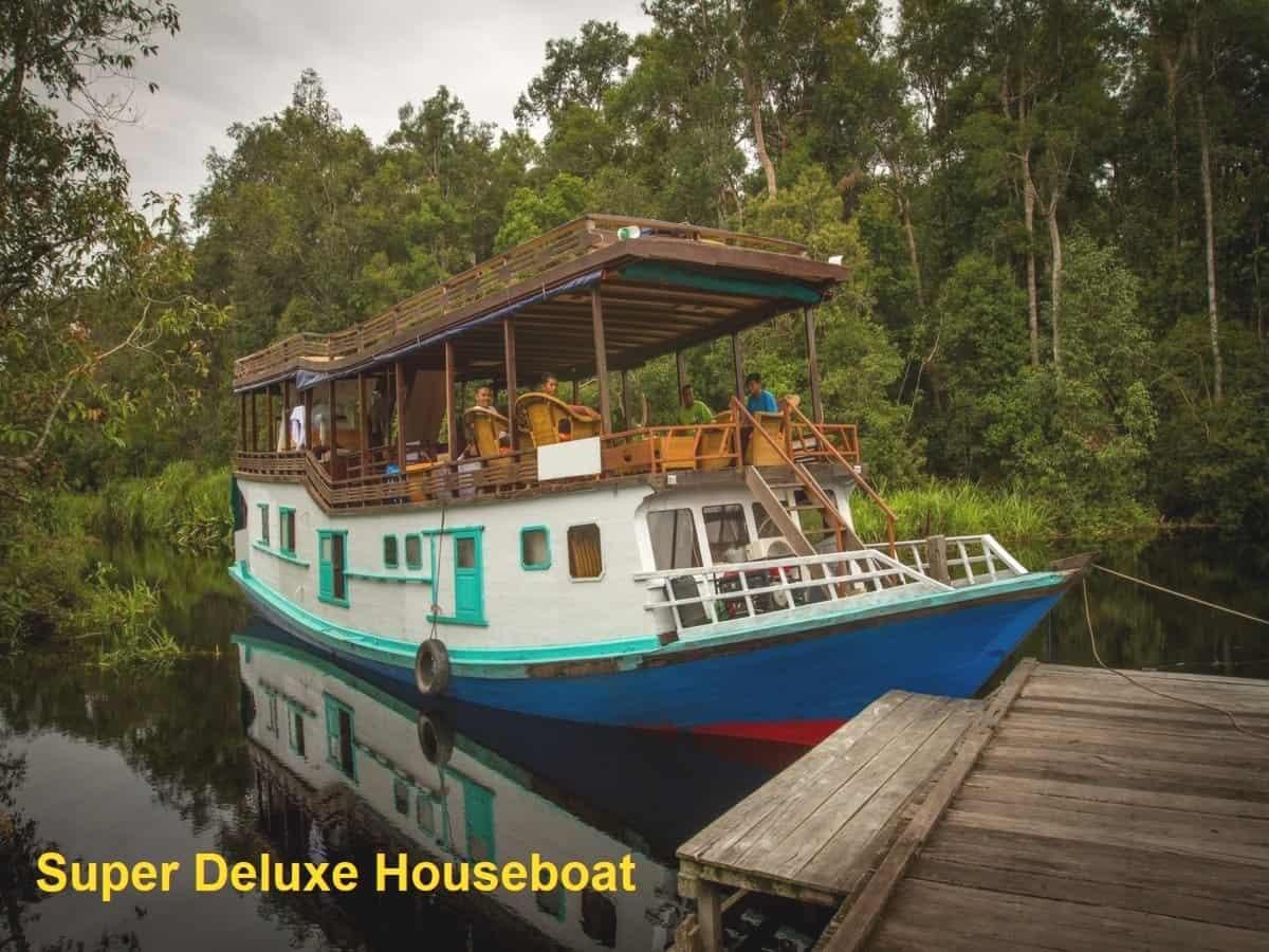 Super Deluxe Houseboat